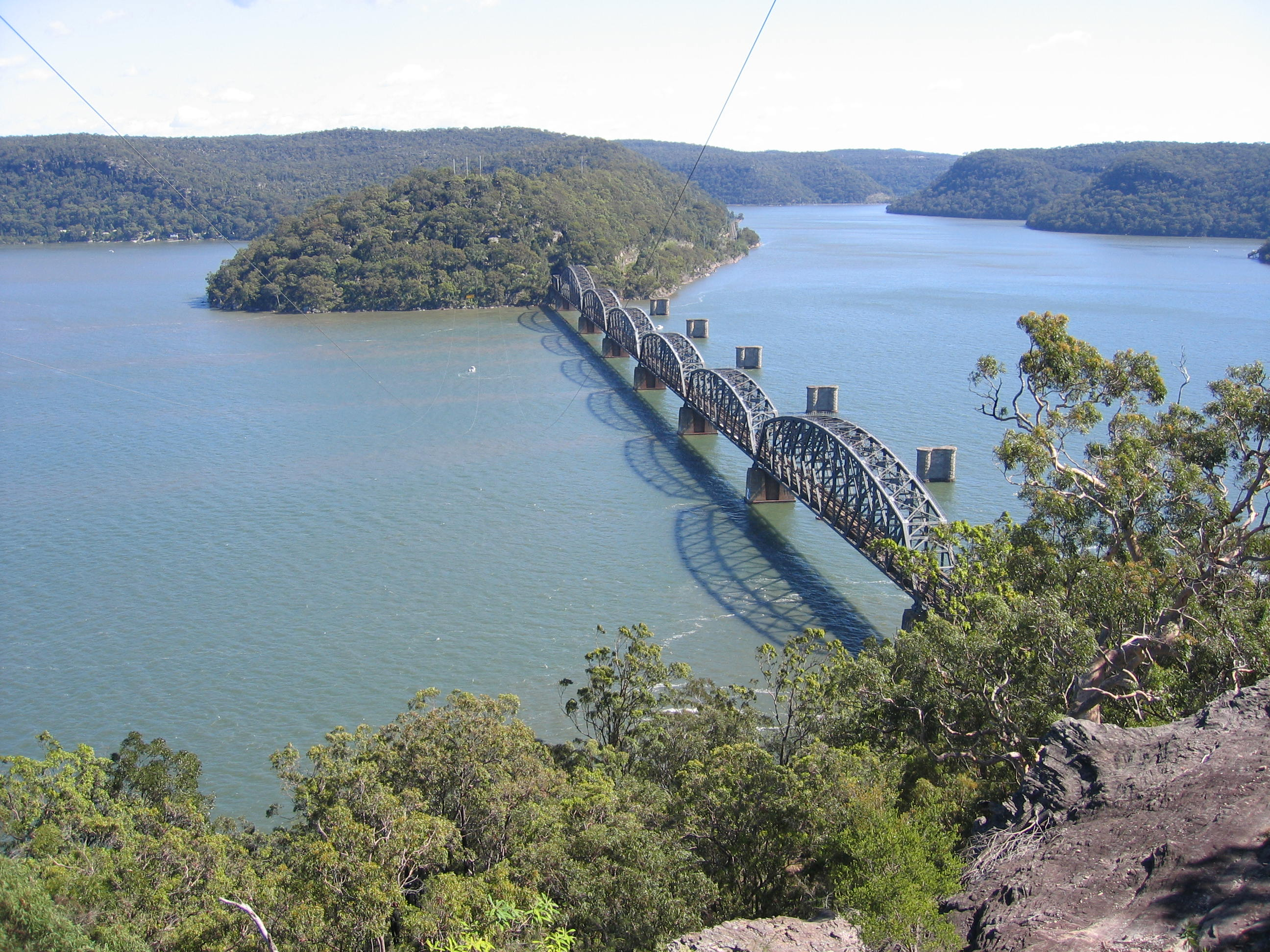 Description Hawkesbury River rail bridge.jpg