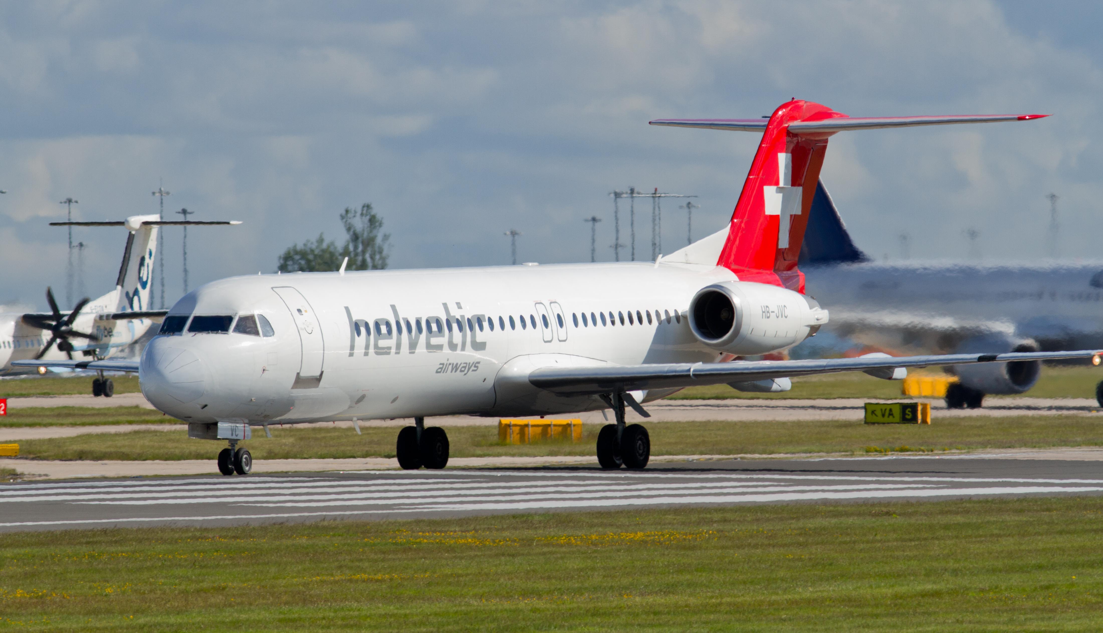 Helvetic_Airways%2C_Fokker_F100%2C_HB-JV
