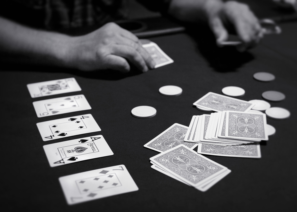 Picture of a game: Texas Hold'em Poker