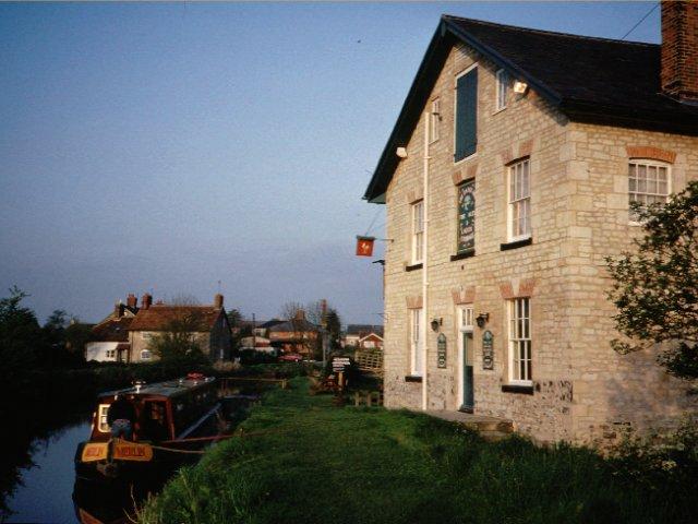 Honeystreet - geograph.org.uk - 3646