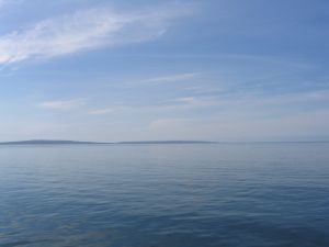 ������ ����� ������ Ireland-AtlanticOceanwithAranIsland.jpg