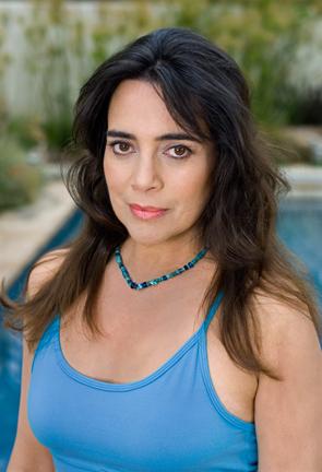 Julie Carmen - Wikipedia