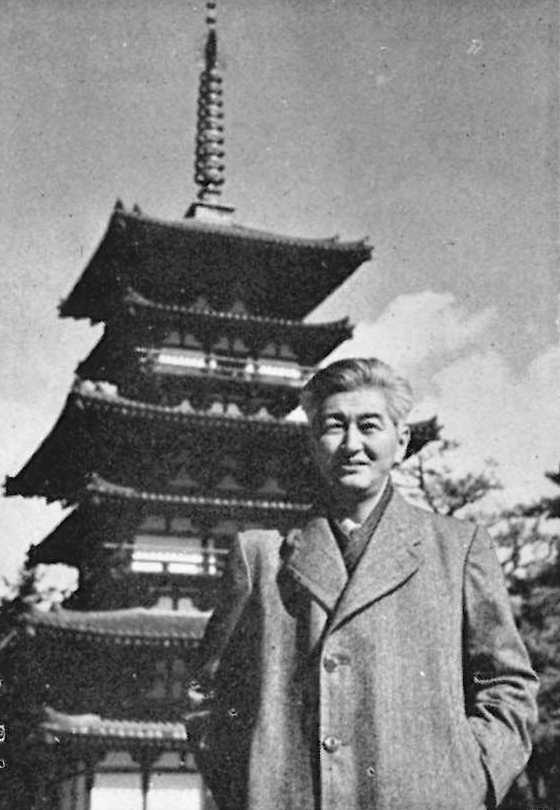 亀井 勝一郎(Katsuichiro Kamei)Wikipediaより