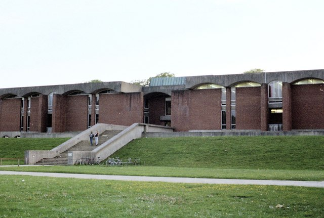 File:Library at Sussex University - geograph.org.uk - 175463.jpg