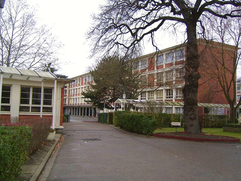 Cmp Livry Gargan concernant file:livry-gargan - college edouard-herriot - wikimedia commons