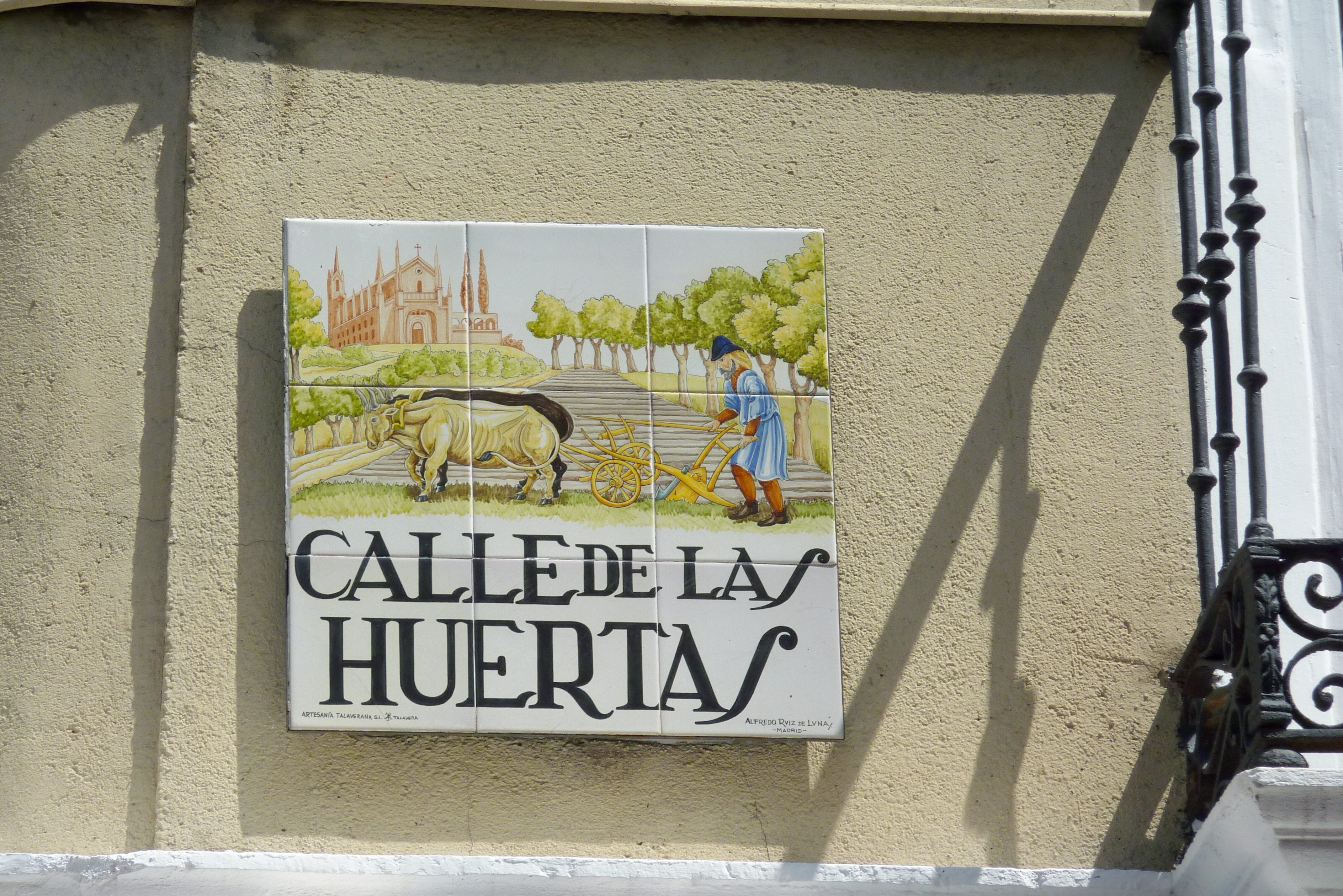 File:Madrid Calle de las Huertas 015.JPG - Wikimedia Commons