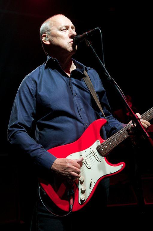 Mark Knopfler 2012 01.jpg