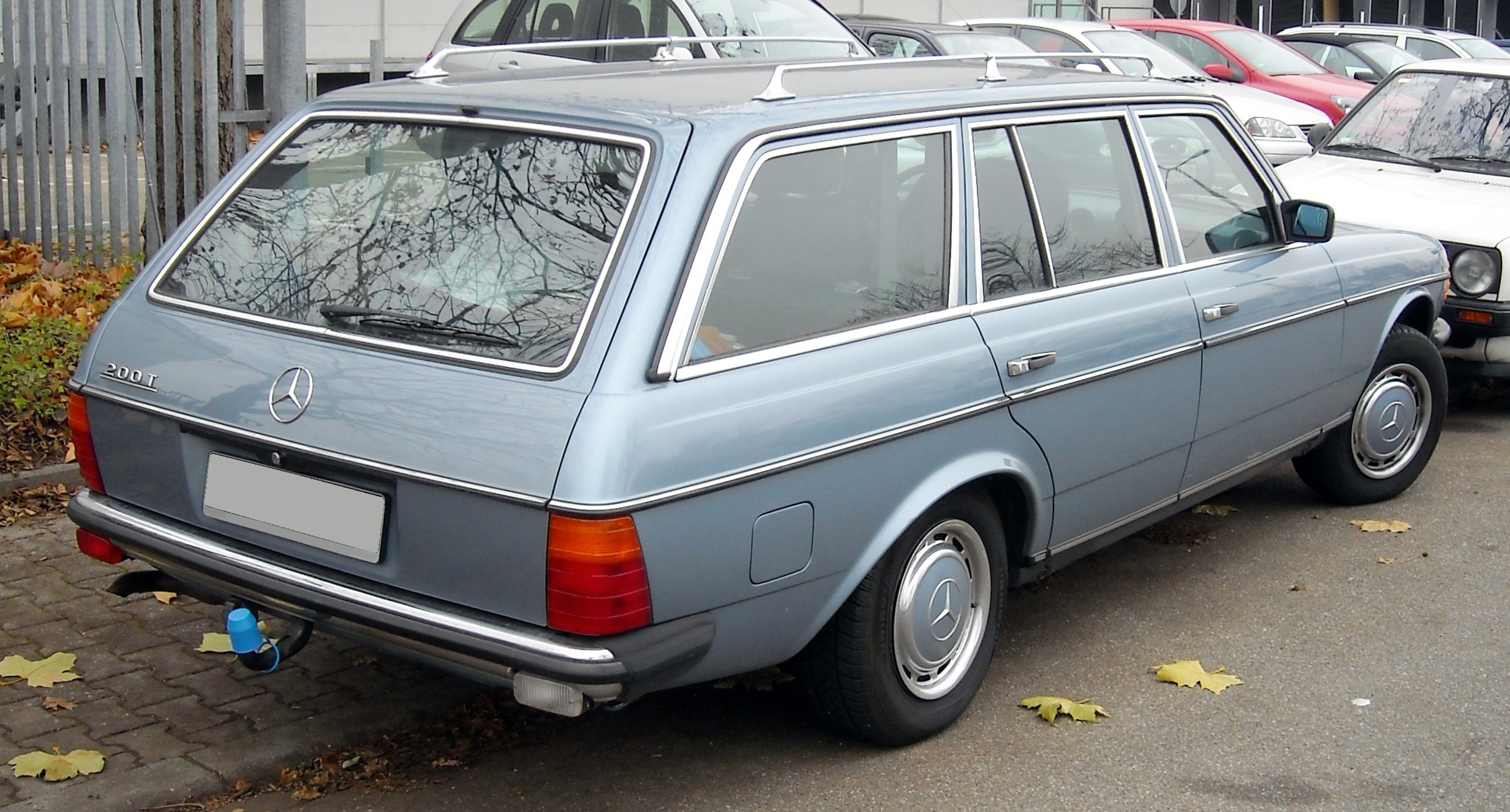 File Mercedes Benz W123 T Modell Rear 20081201 Jpg Wikimedia Commons