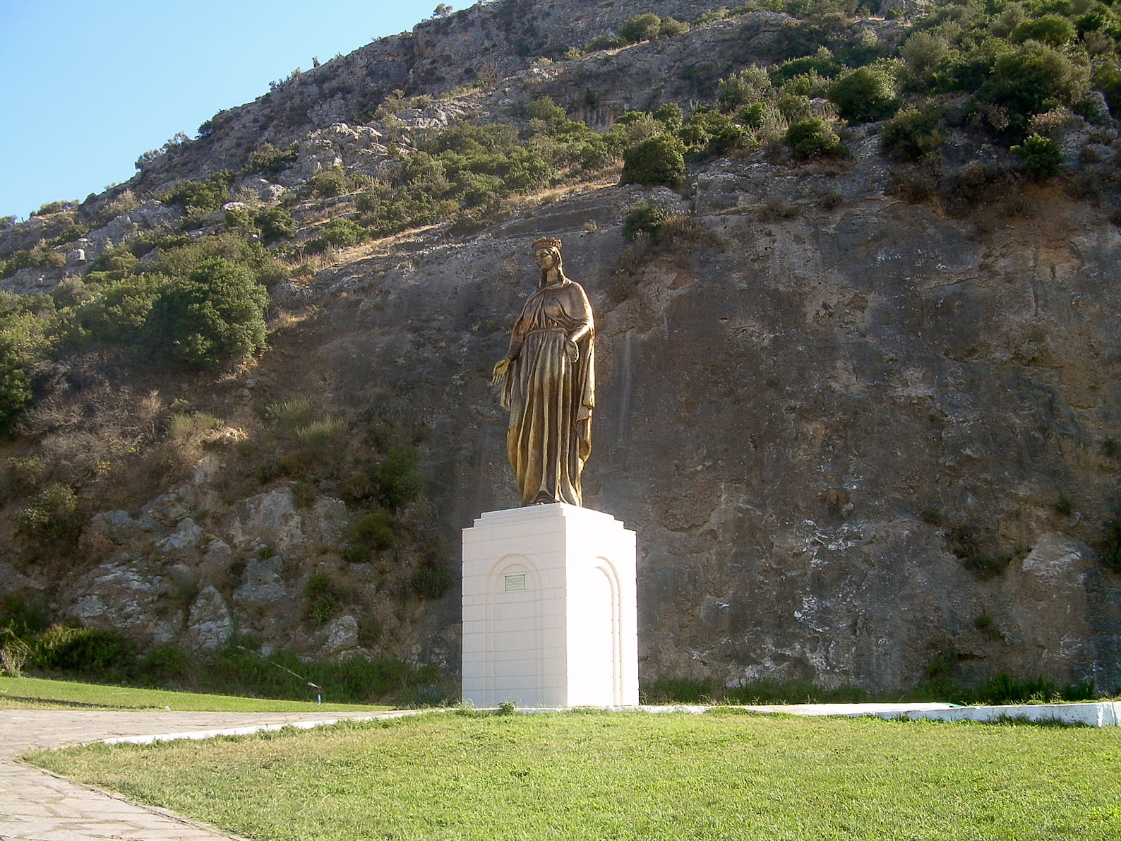 File:Meryemana statue.jpg - Wikimedia Commons