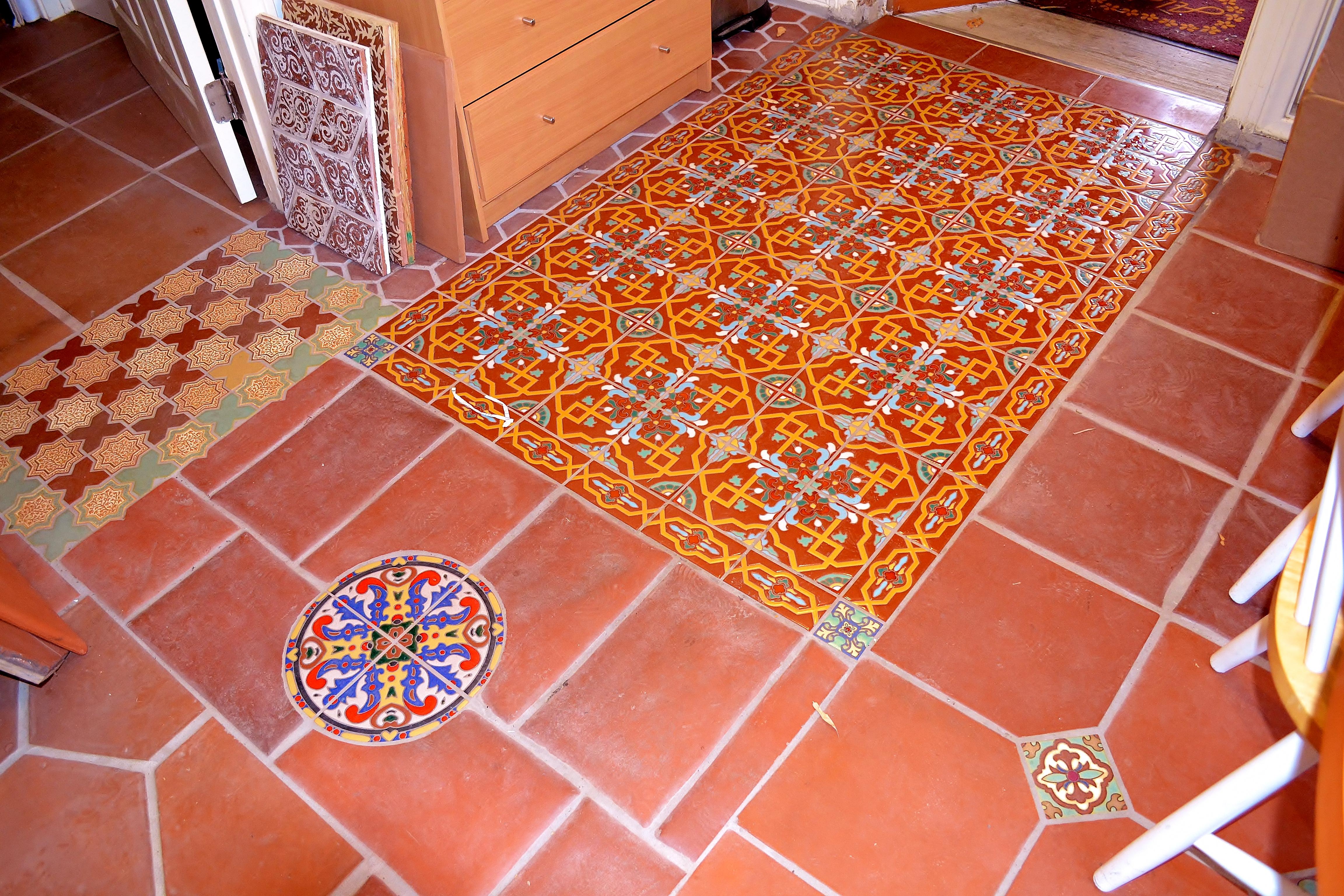 Ceramic tile floor patterns designs joy studio design for Spanish style floor tiles