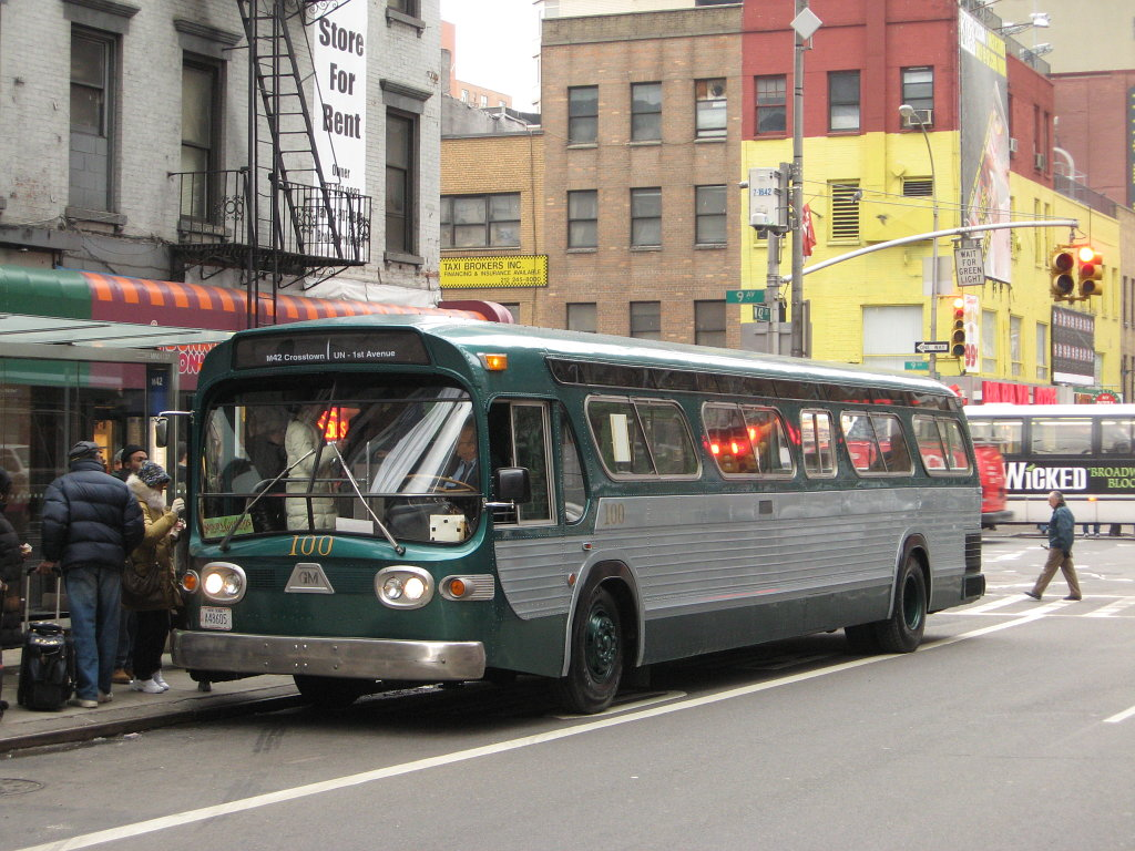 NYC_Transit_Authority_GMC_TDH_5301_100.j