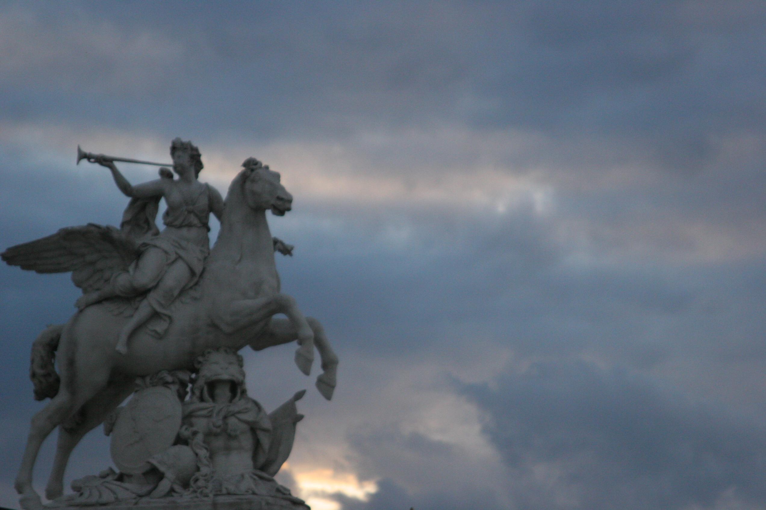 """Résultat de recherche d'images pour """"RENOMMEE CHEVAUCHANT PEGA tuileries"""""""