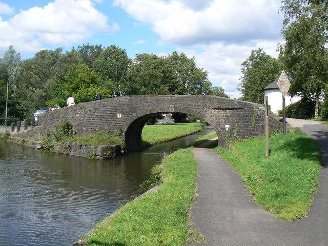 Pontymoile Canal basin - geograph.org.uk - 655669