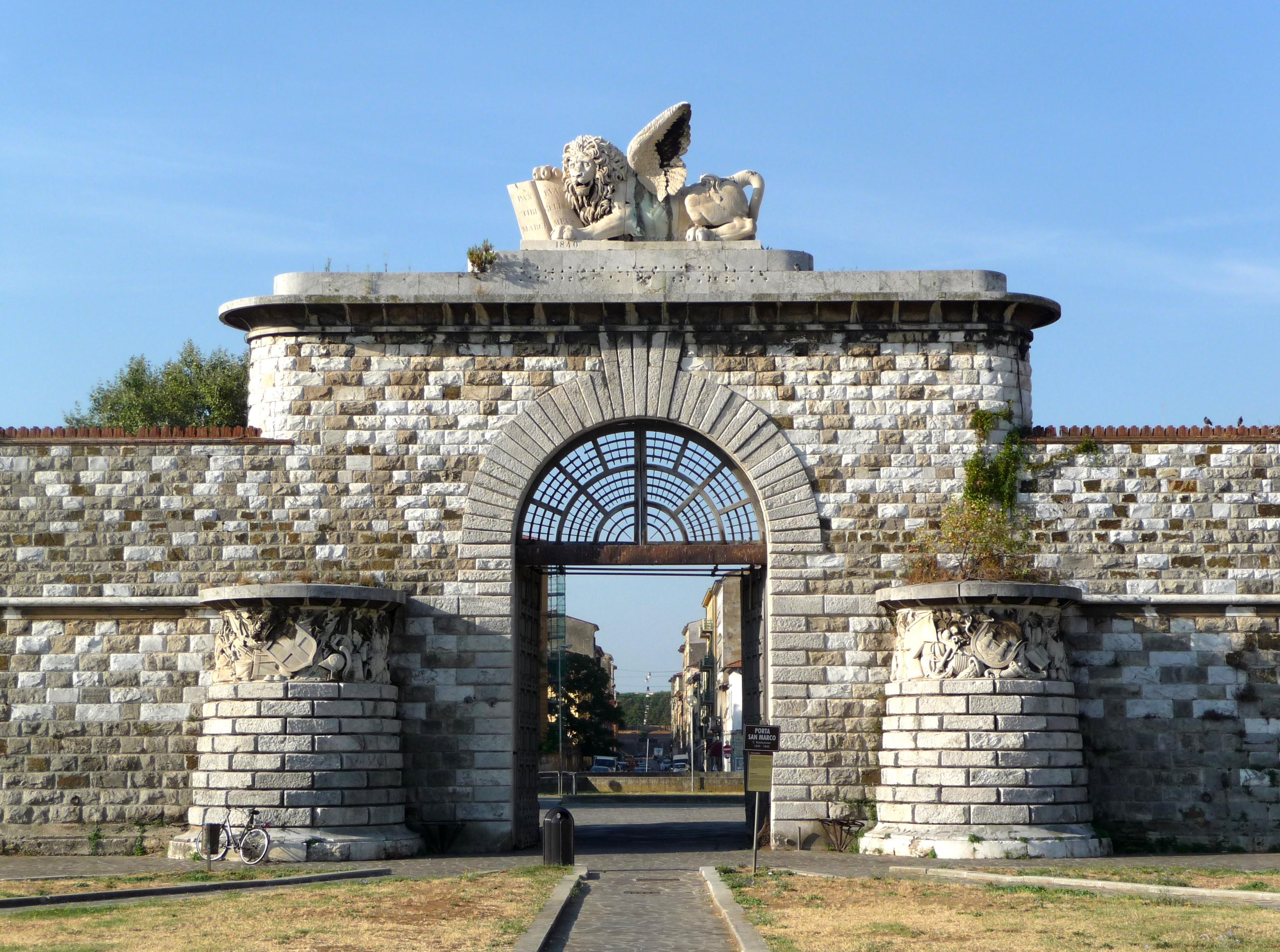 Description Porta San Marco, Livorno.JPG