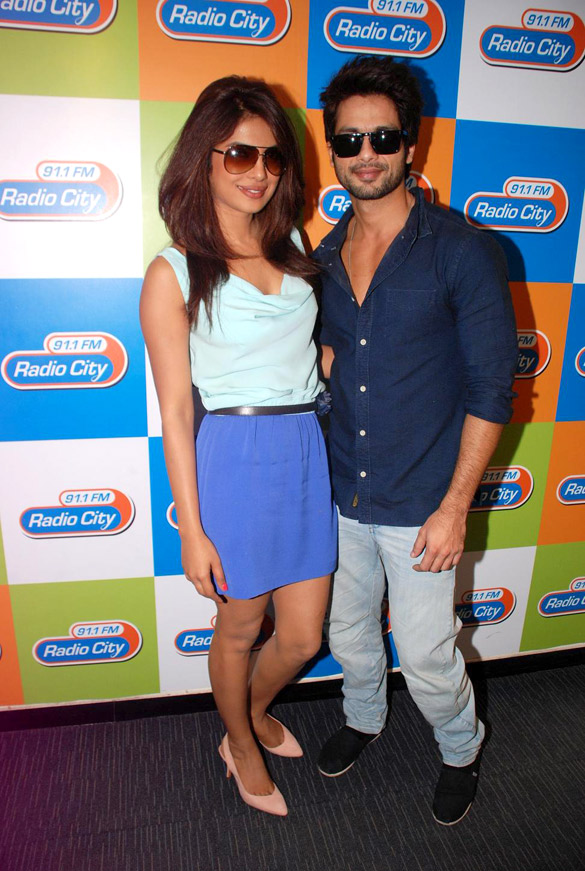Priyanka Chopra ja Shahid Kapoor dating 2012 sähkö koukku Edmonton