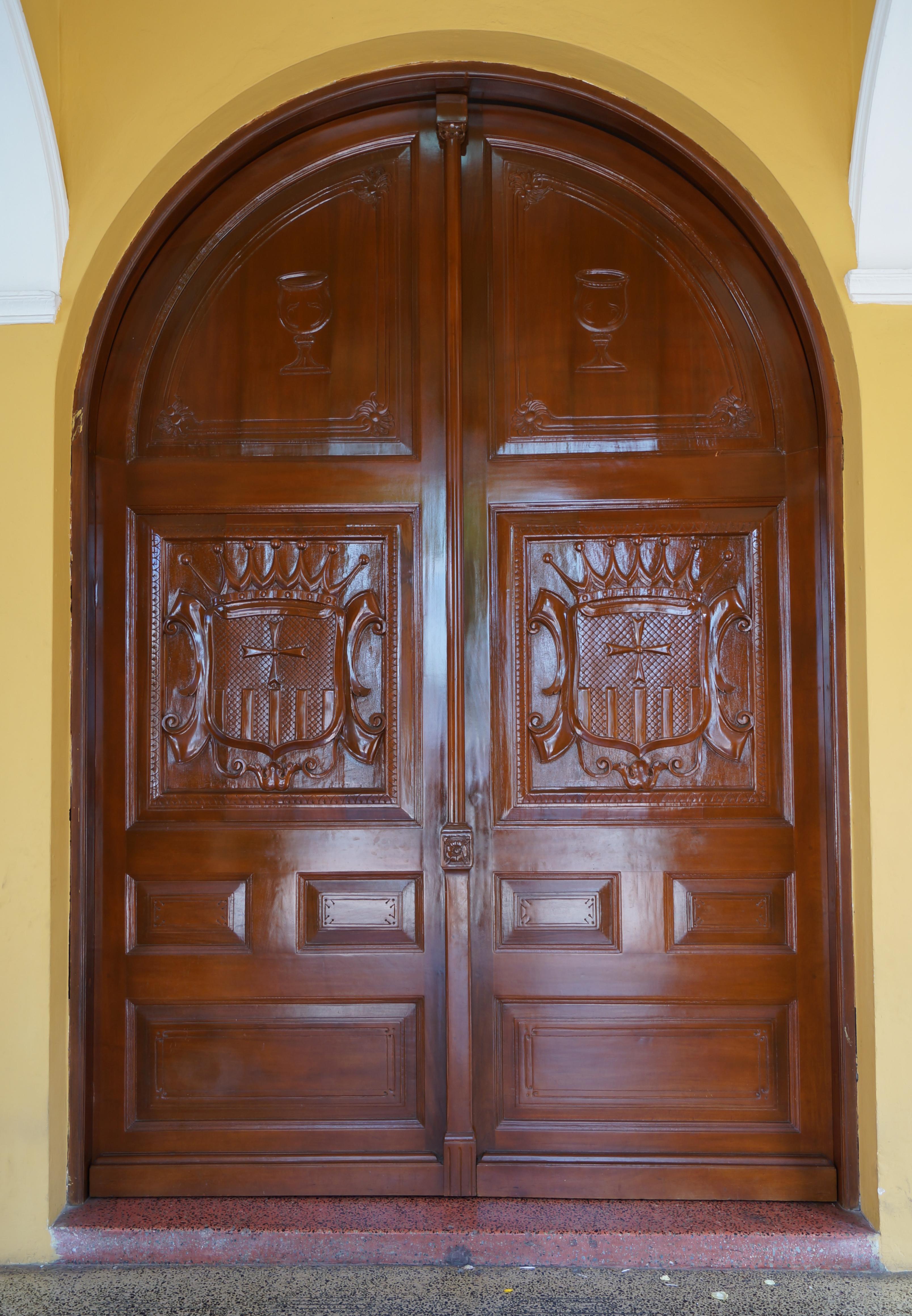 Puertas de madera para entrada principal puertas de - Puertas de madera ...