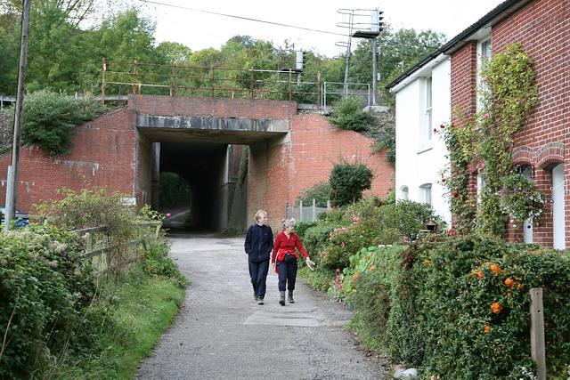Railway bridge at Bridge Terrace, Shawford - geograph.org.uk - 63977