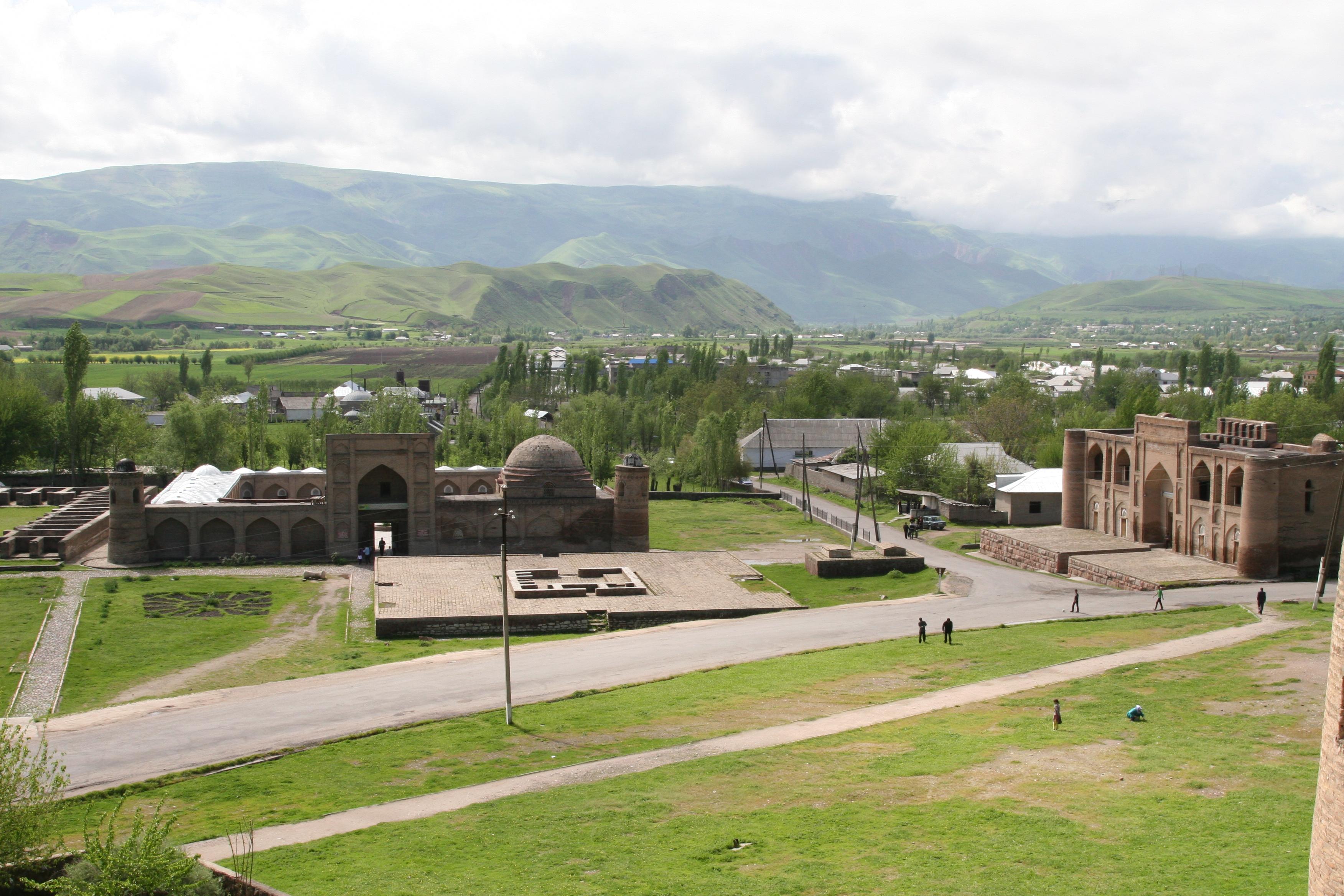 фото гиссар таджикистан горы этой
