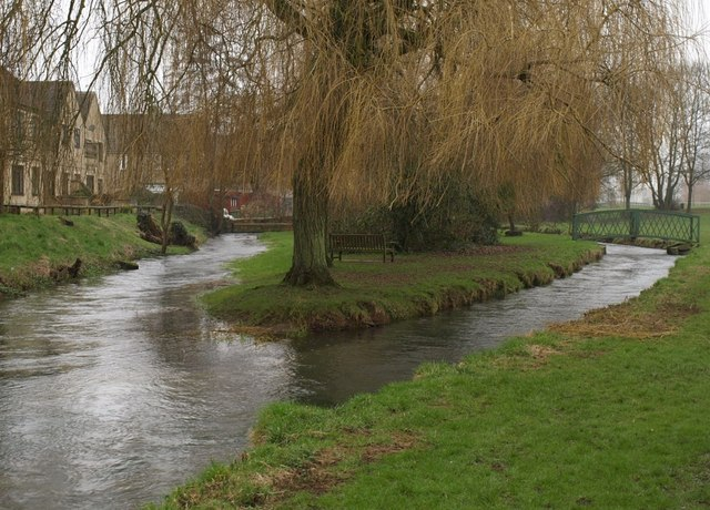 File:River Churn, Cirencester - geograph.org.uk - 696822.jpg