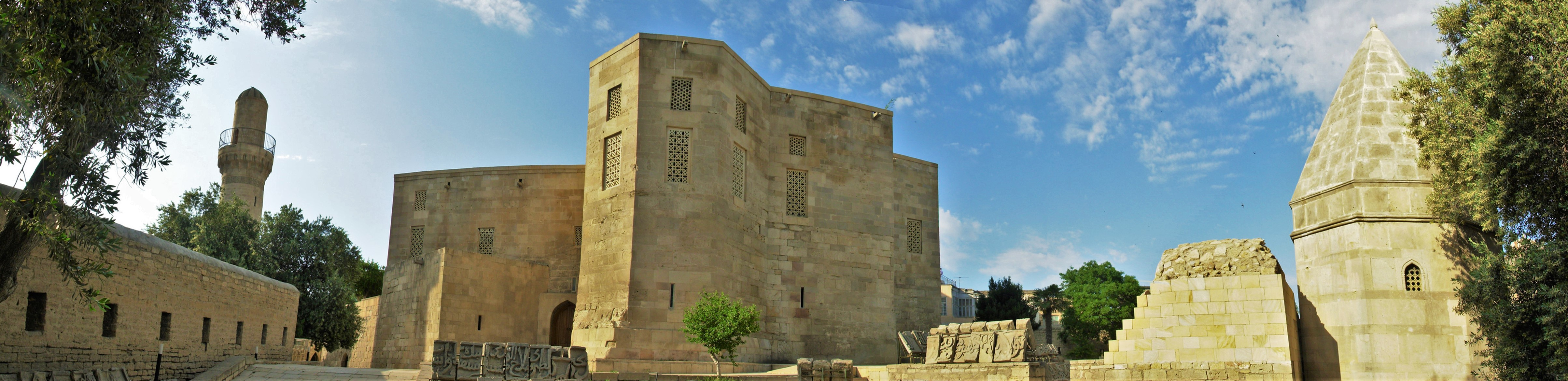 Shirvanshah Palace pano01.JPG