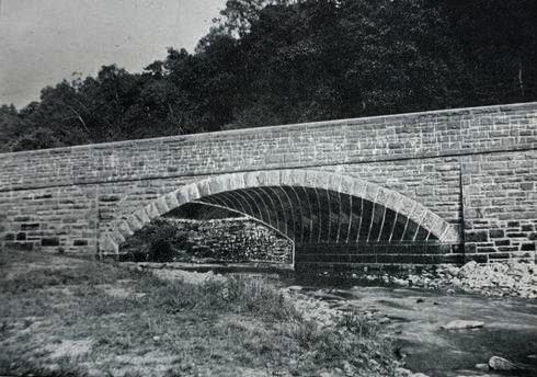 sickergill skew bridge in 1898.jpg