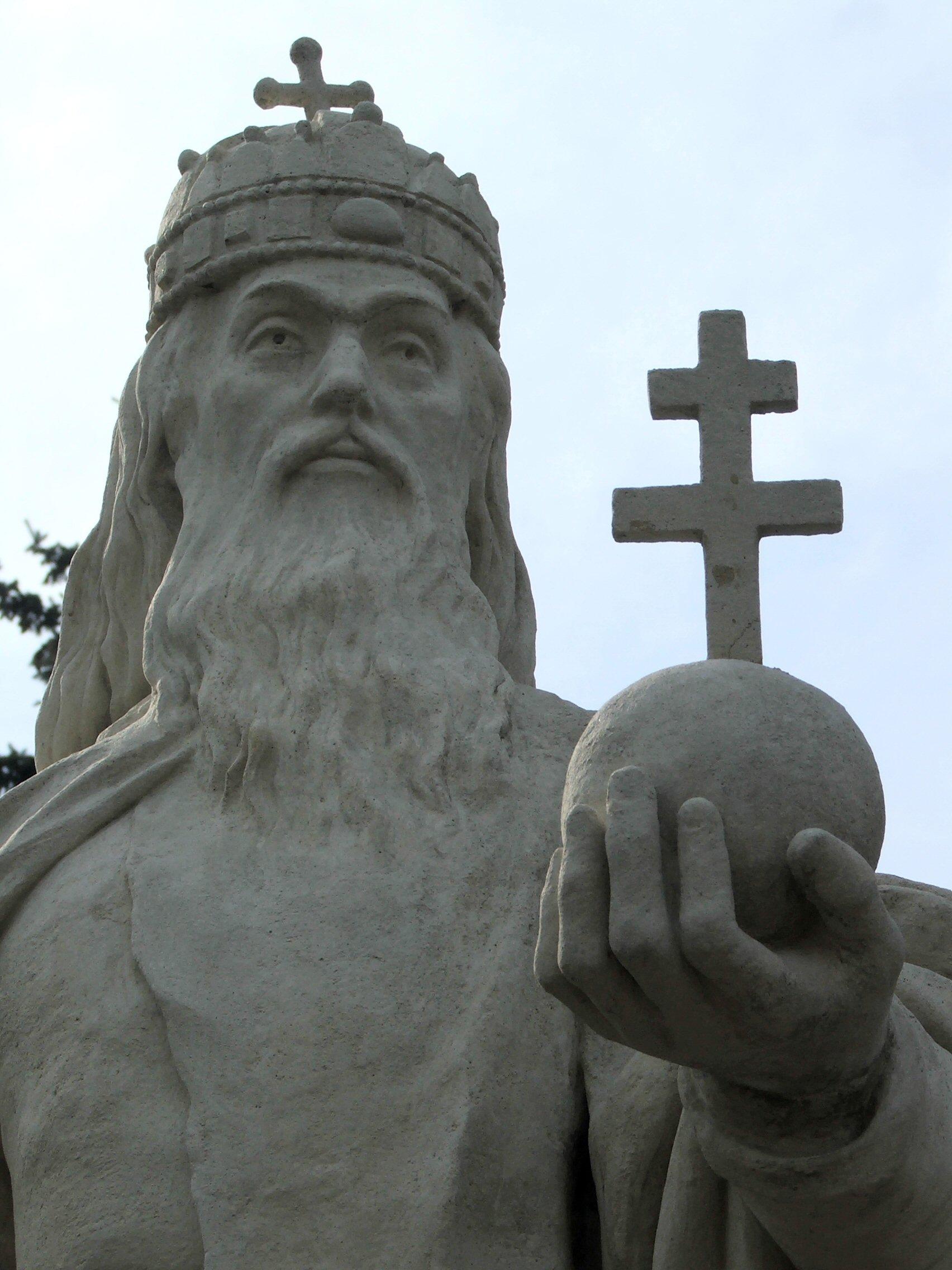 Statue av den hellige Stefan i Esztergom i Ungarn, hans fødeby