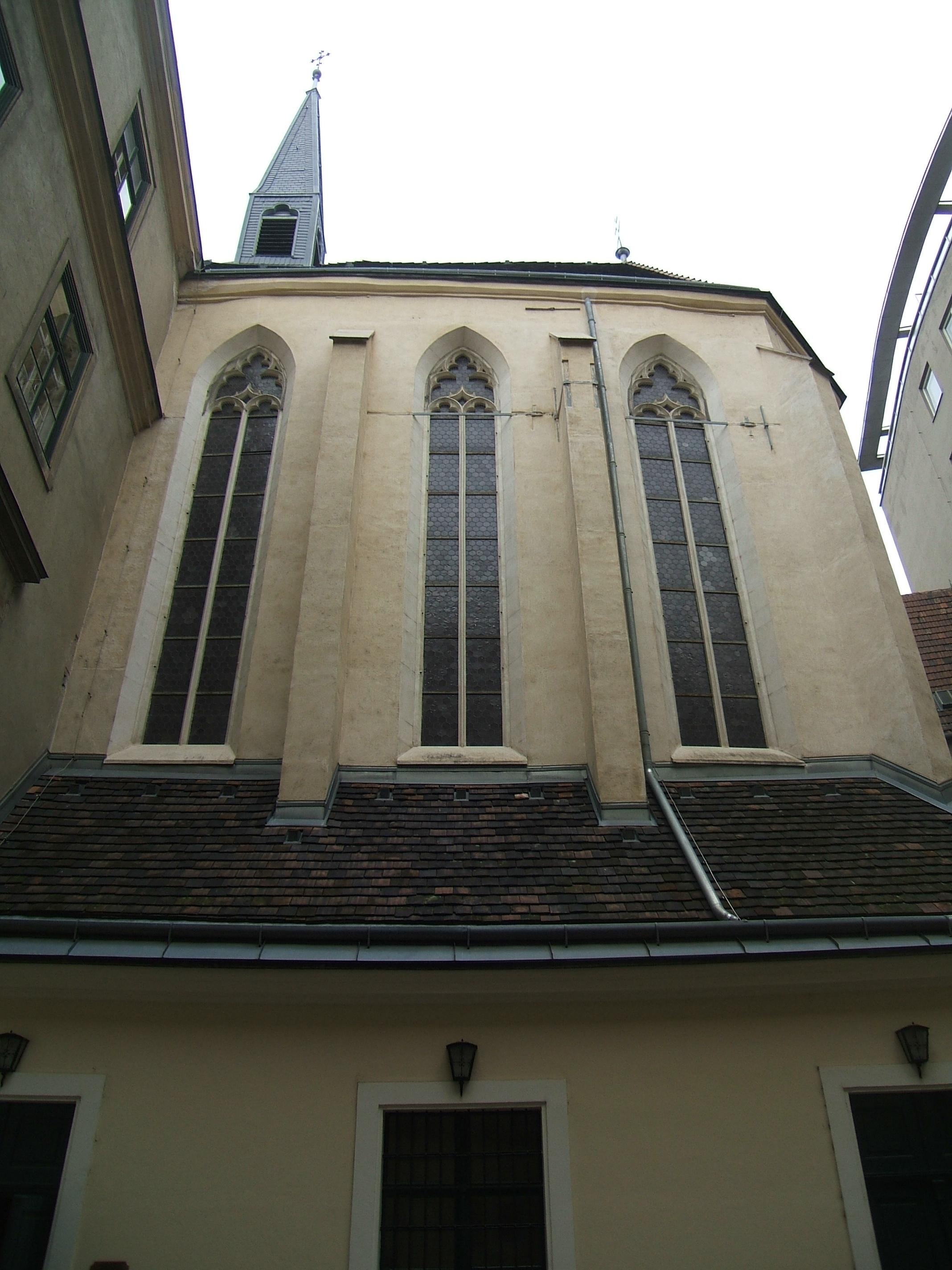 St Salvator vom alten Rathaus.JPG