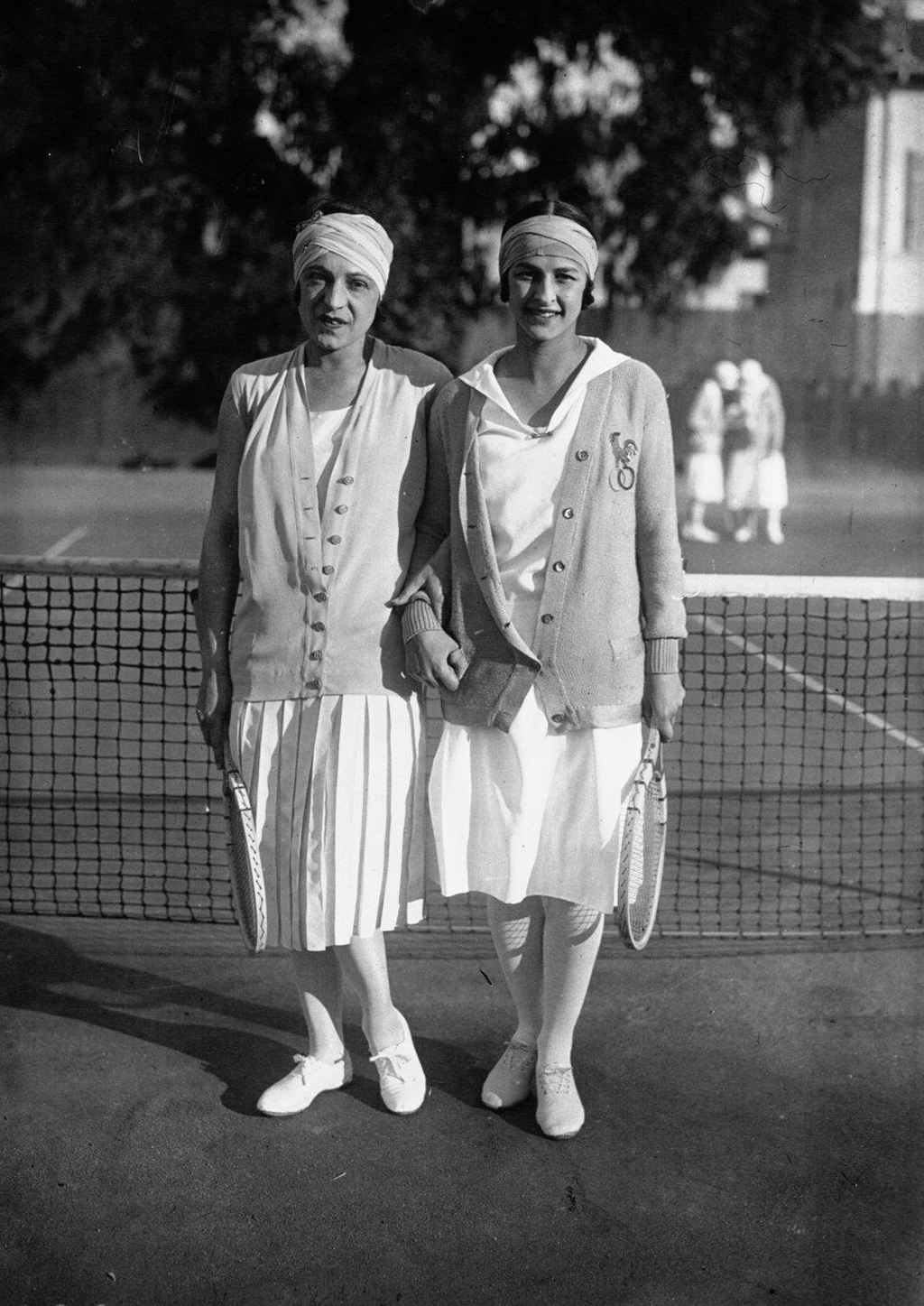 File Suzanne Lenglen Julie Vlasto 1926 Wikimedia mons