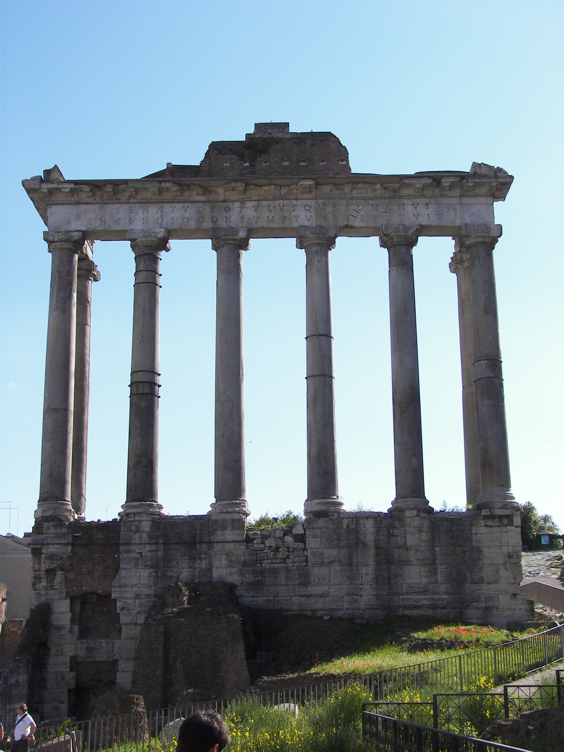 File Temple Of Saturn Rome 5 Jpg Wikimedia Commons