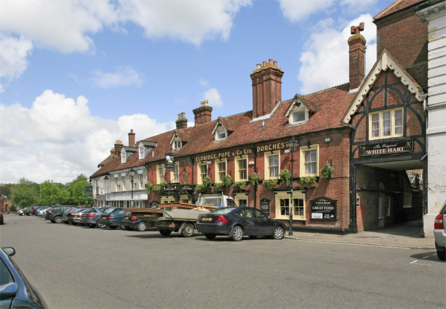 File:The Original White Hart pub, Market Place, Ringwood - geograph.org.uk - 174194.jpg