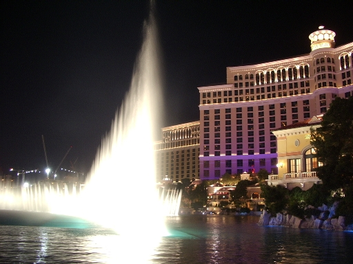 following user names refer to en.wikipedia. 2007-02-13 01:12 Kvasir 512×384× (159089 bytes) Night view of the fountain of [[Bellagio (hotel and casino)-Bellagio]]