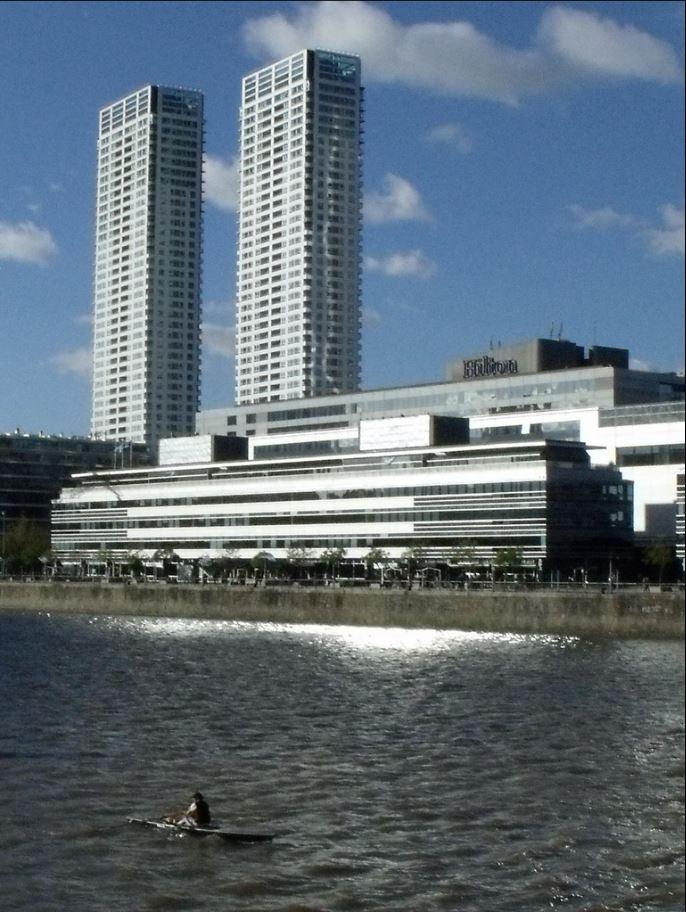 Torres del yacht wikipedia la enciclopedia libre for Gimnasio 4 torres
