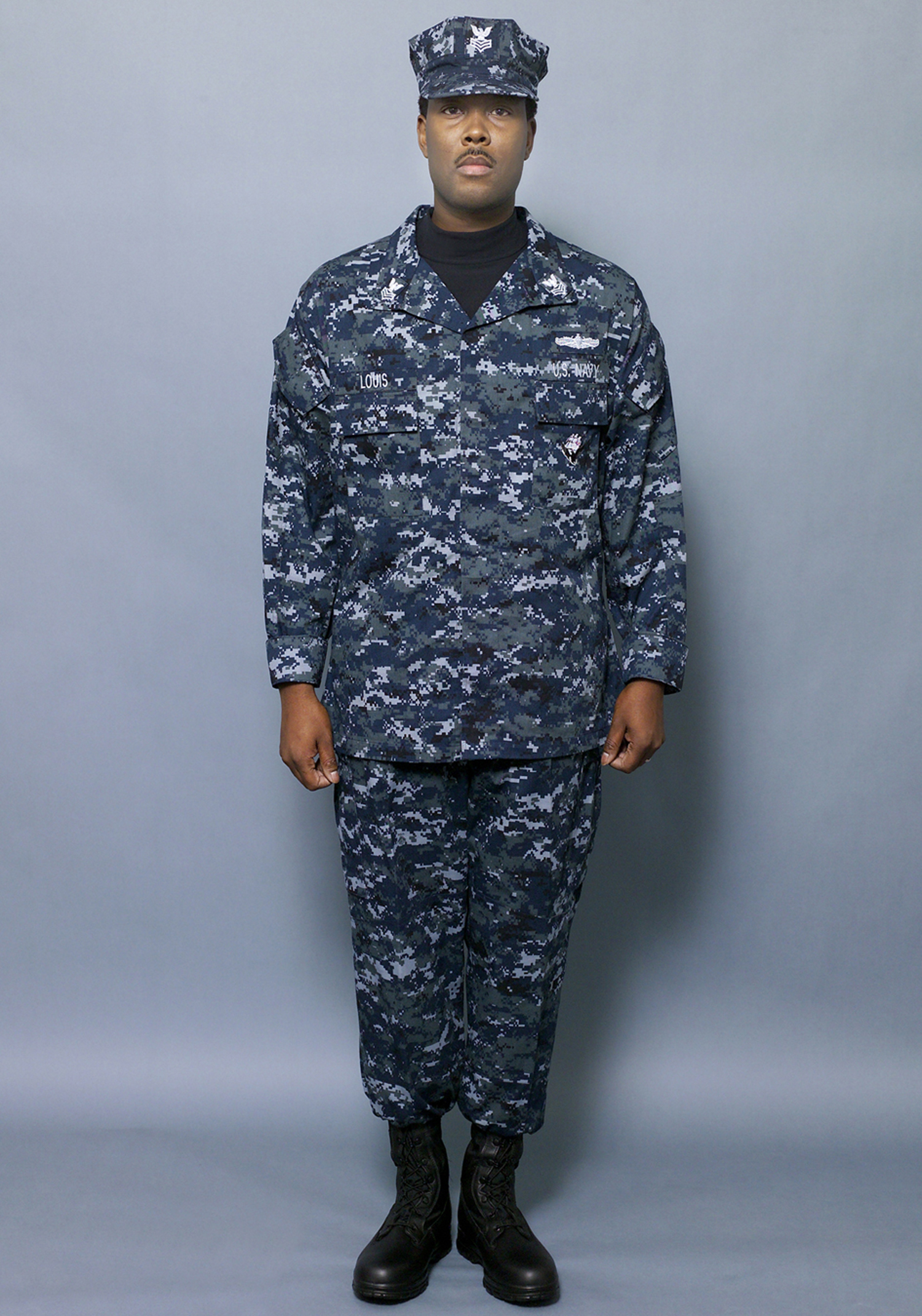 0000X-006 The Navy introduced a set of concept working uniforms ...