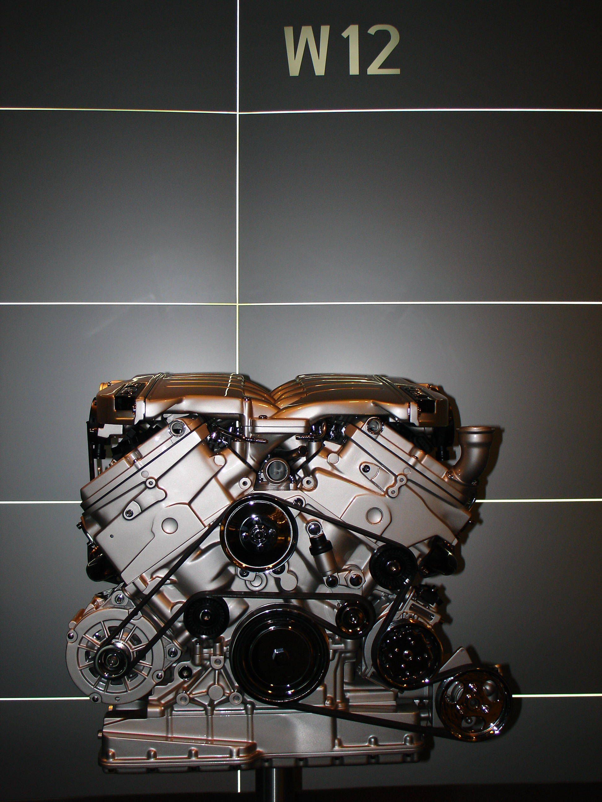 Volkswagen Phaeton W12 Engine