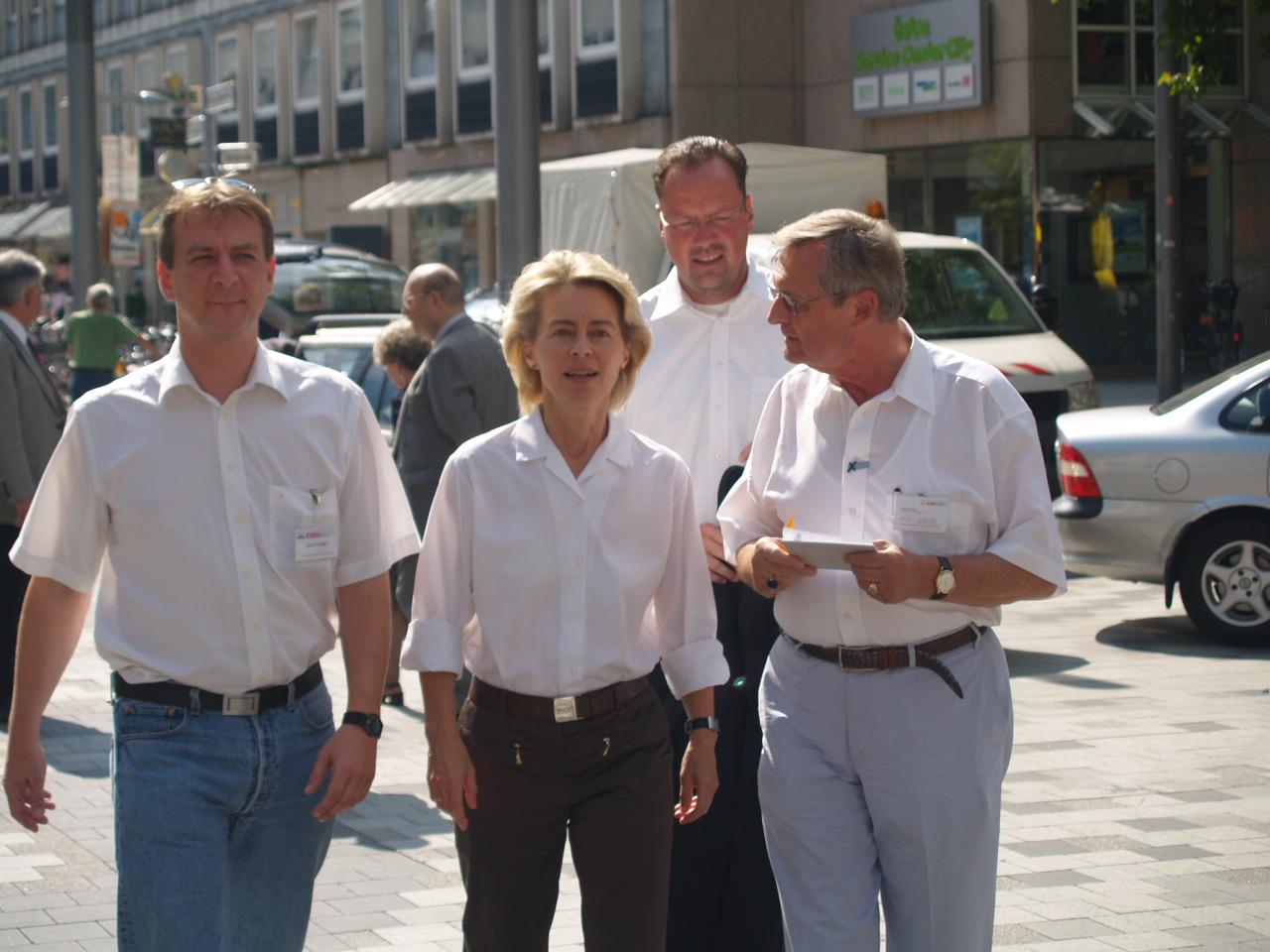 Wahlkampf mit Frau von der Leyen.jpg