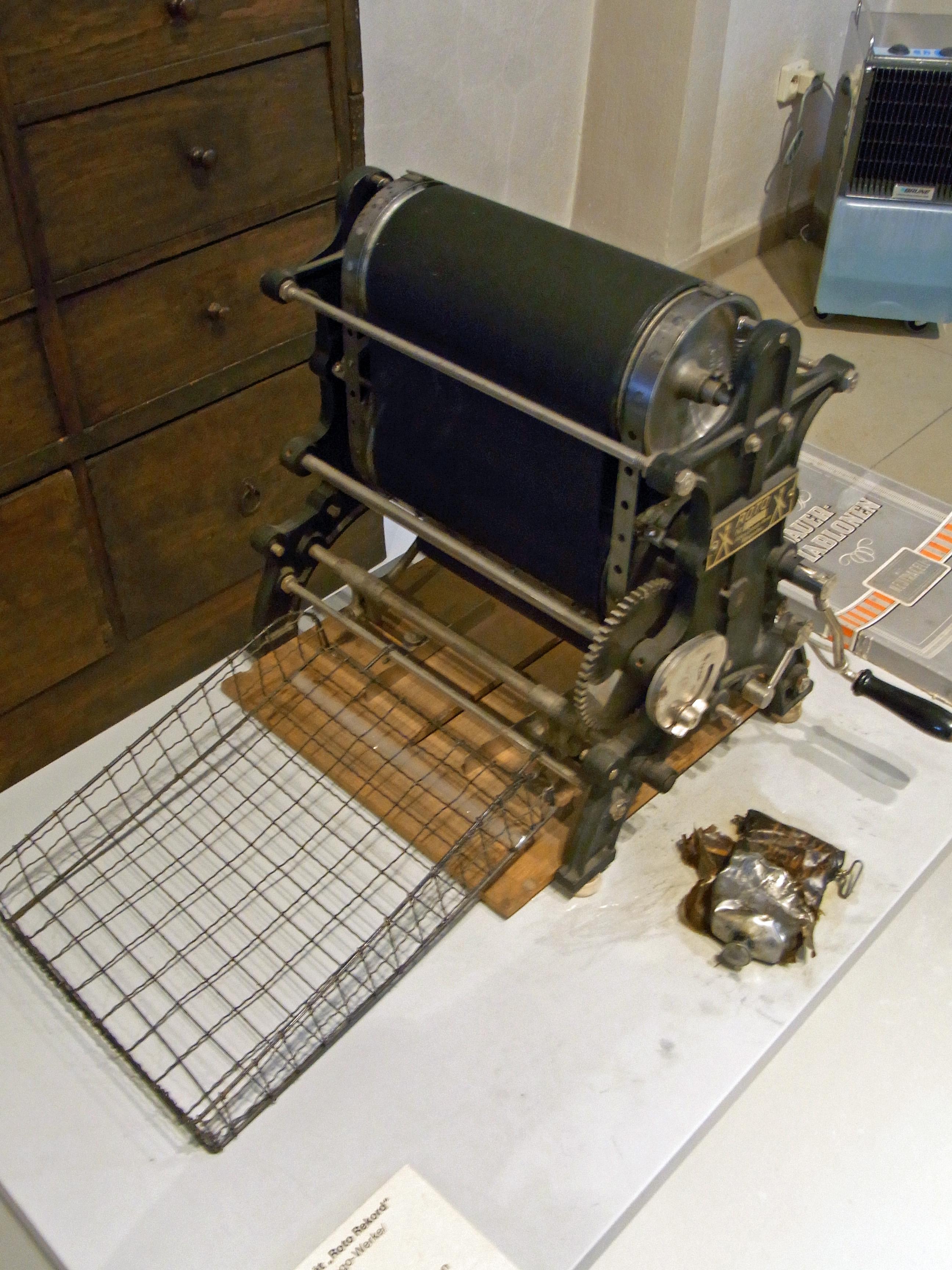 Rotogravure Printing Machine Market