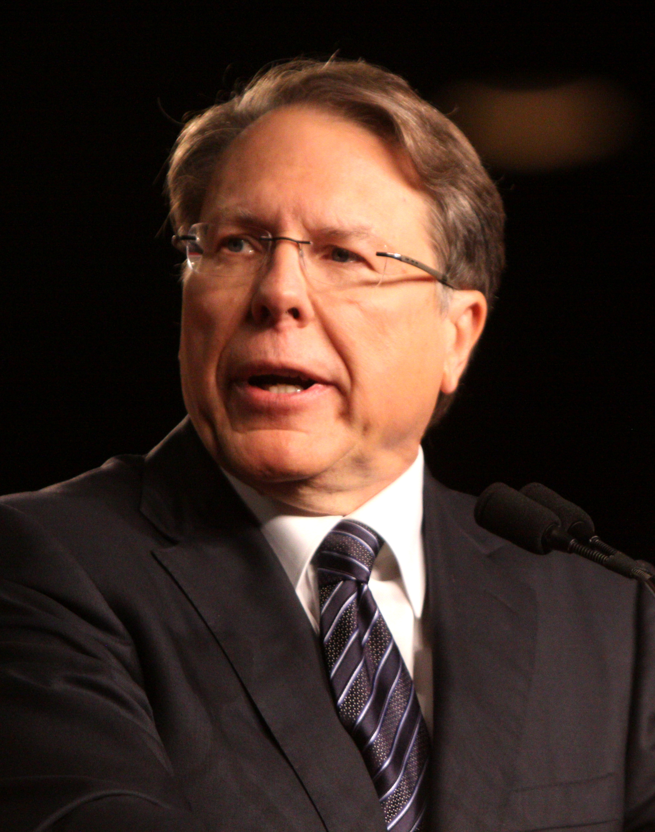 wayne-lapierre-is-an-asshole