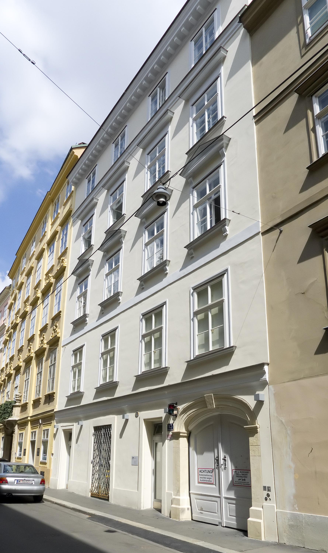 Wien 01 Sonnenfelsgasse 13 a.jpg