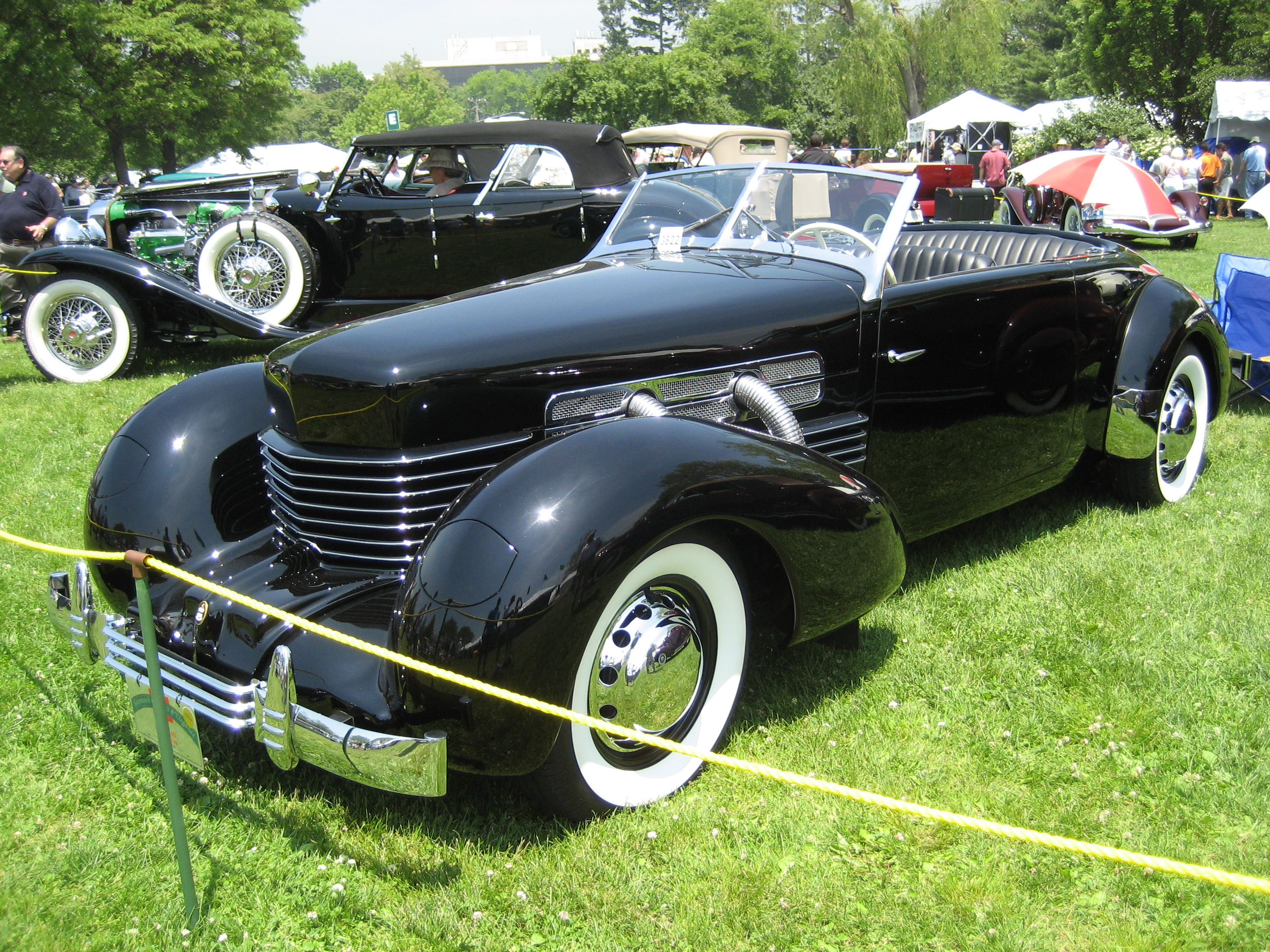 File 1936 cord 810 jpg wikimedia commons for Cord motor car for sale