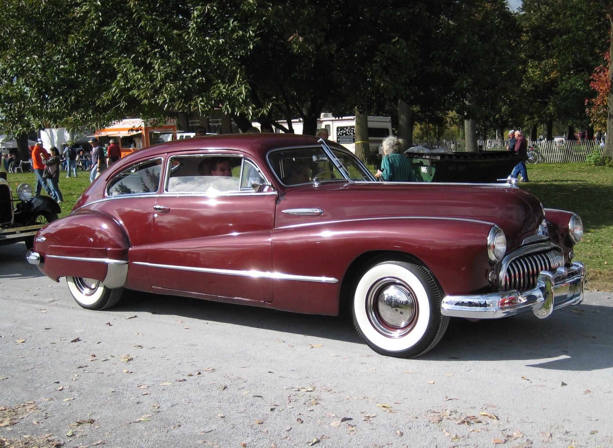 1947-48_Buick_(4731822273).jpg