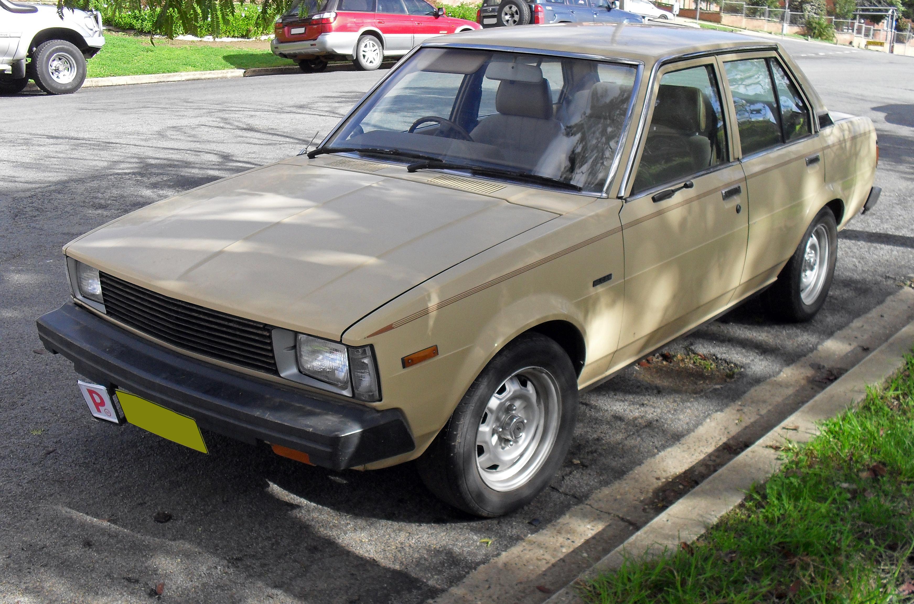 File 1982 1983 Toyota Corolla Ke70 Cs Sedan Jpg