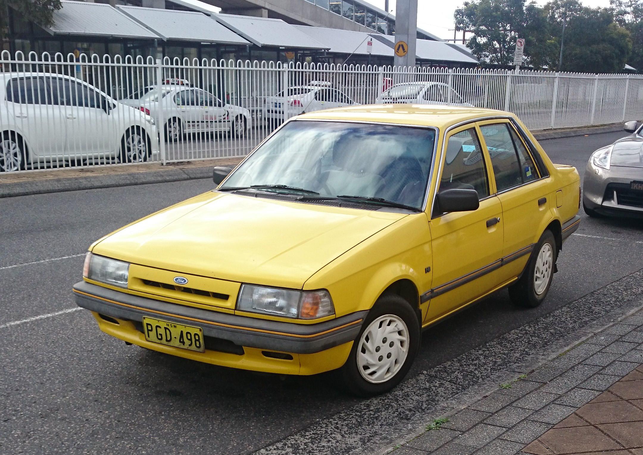 File 1988 Ford Laser  Ke  Gl Livewire Sedan  15117049098