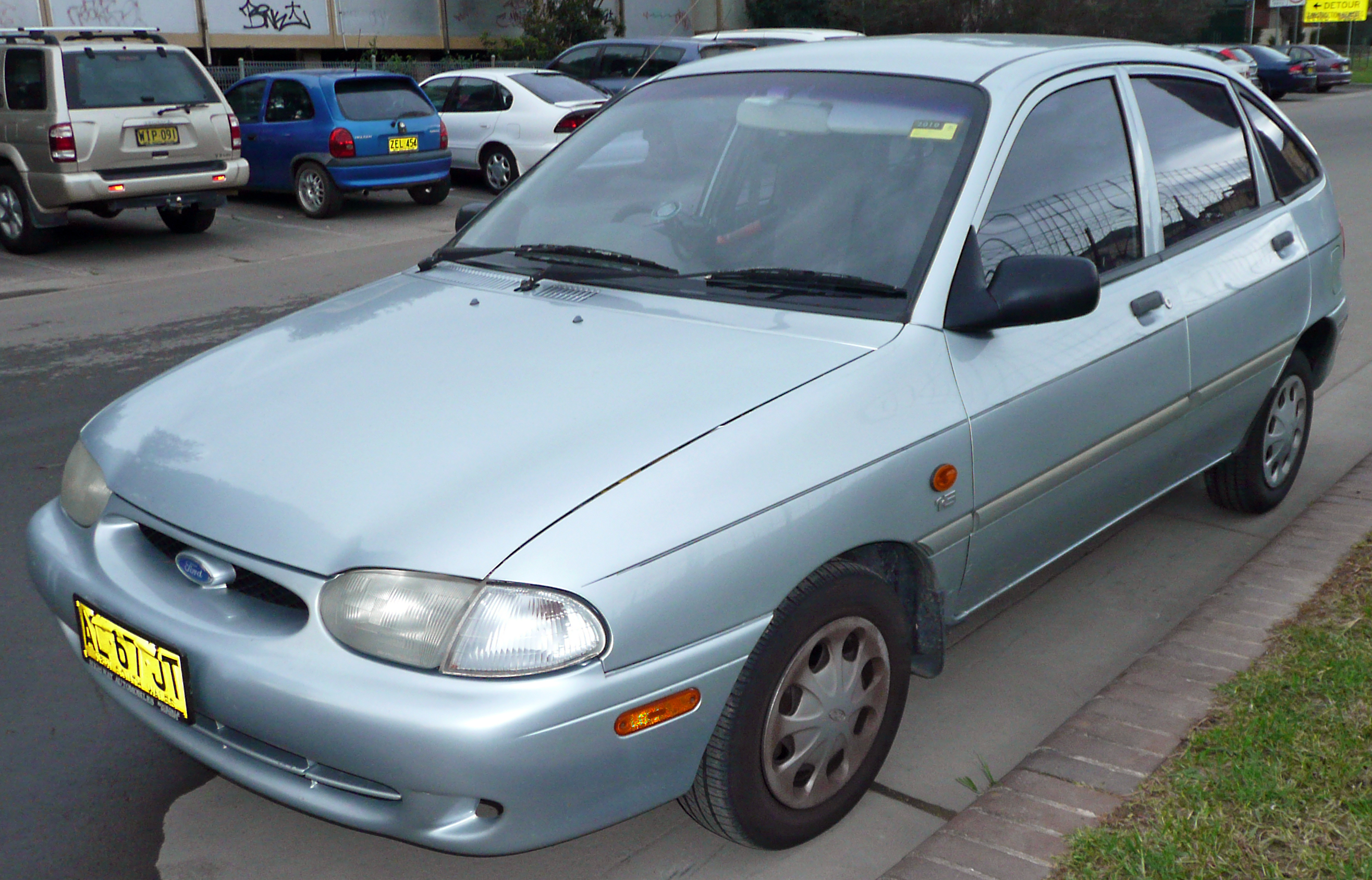 File 1997 2000 ford festiva glxidoor hatchback wikipedia