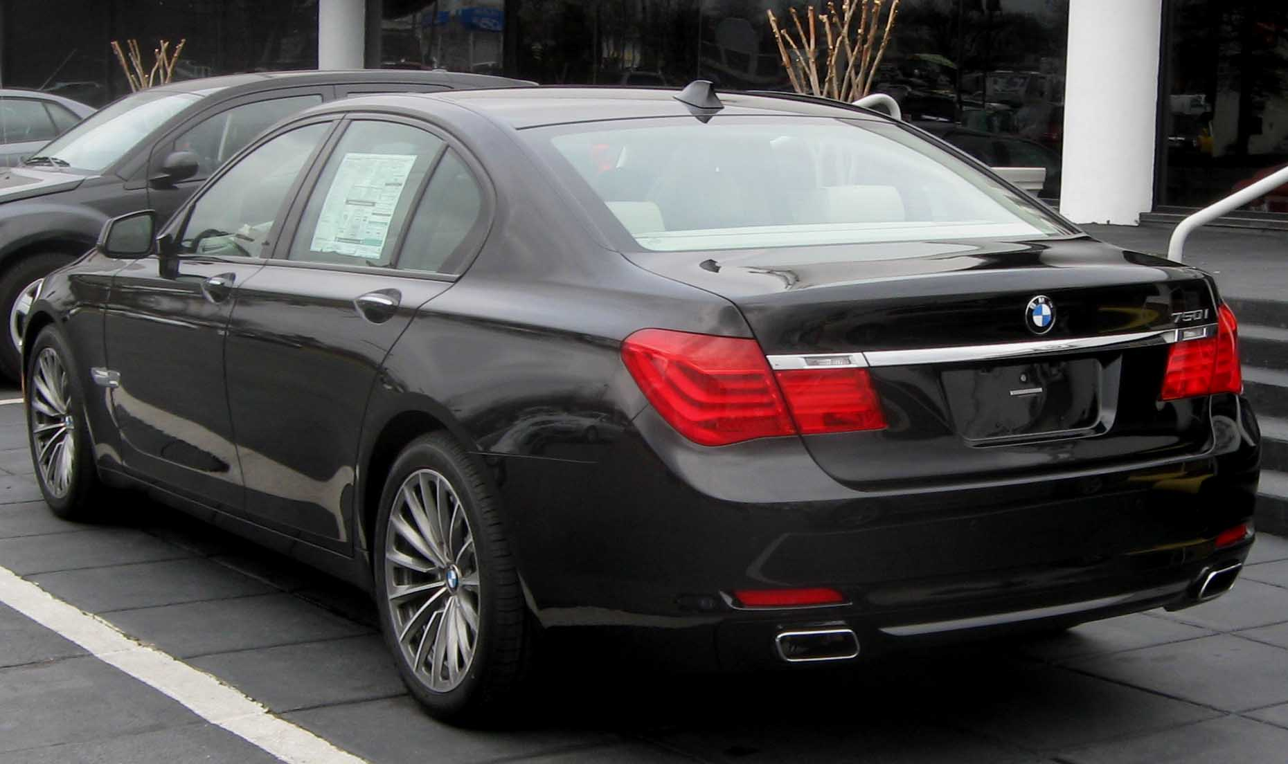File 2009 Bmw 750i Rear Jpg Wikipedia