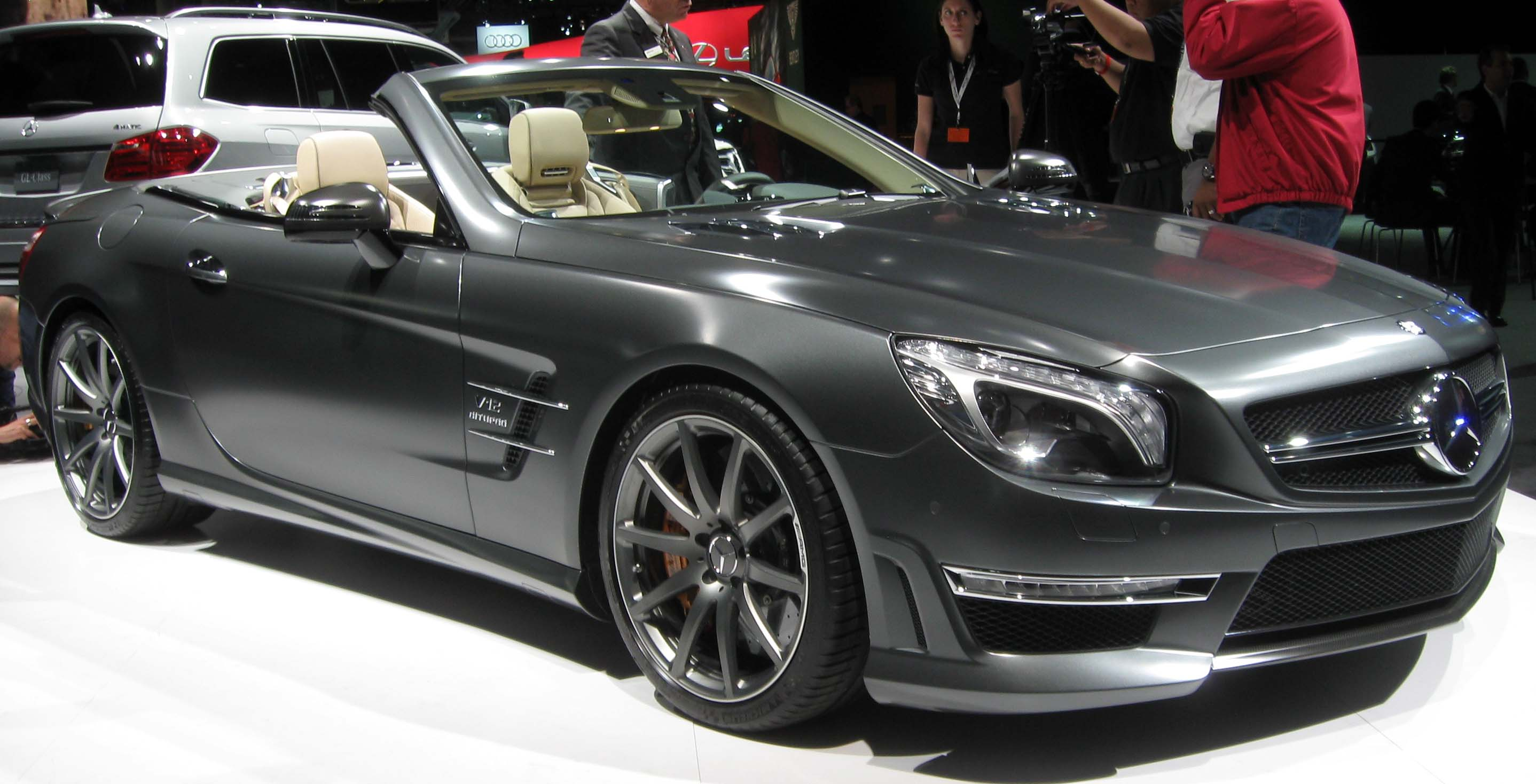 http://upload.wikimedia.org/wikipedia/commons/1/15/2013_Mercedes-Benz_SL65_AMG_Anniversary_Edition_--_2012_NYIAS.JPG