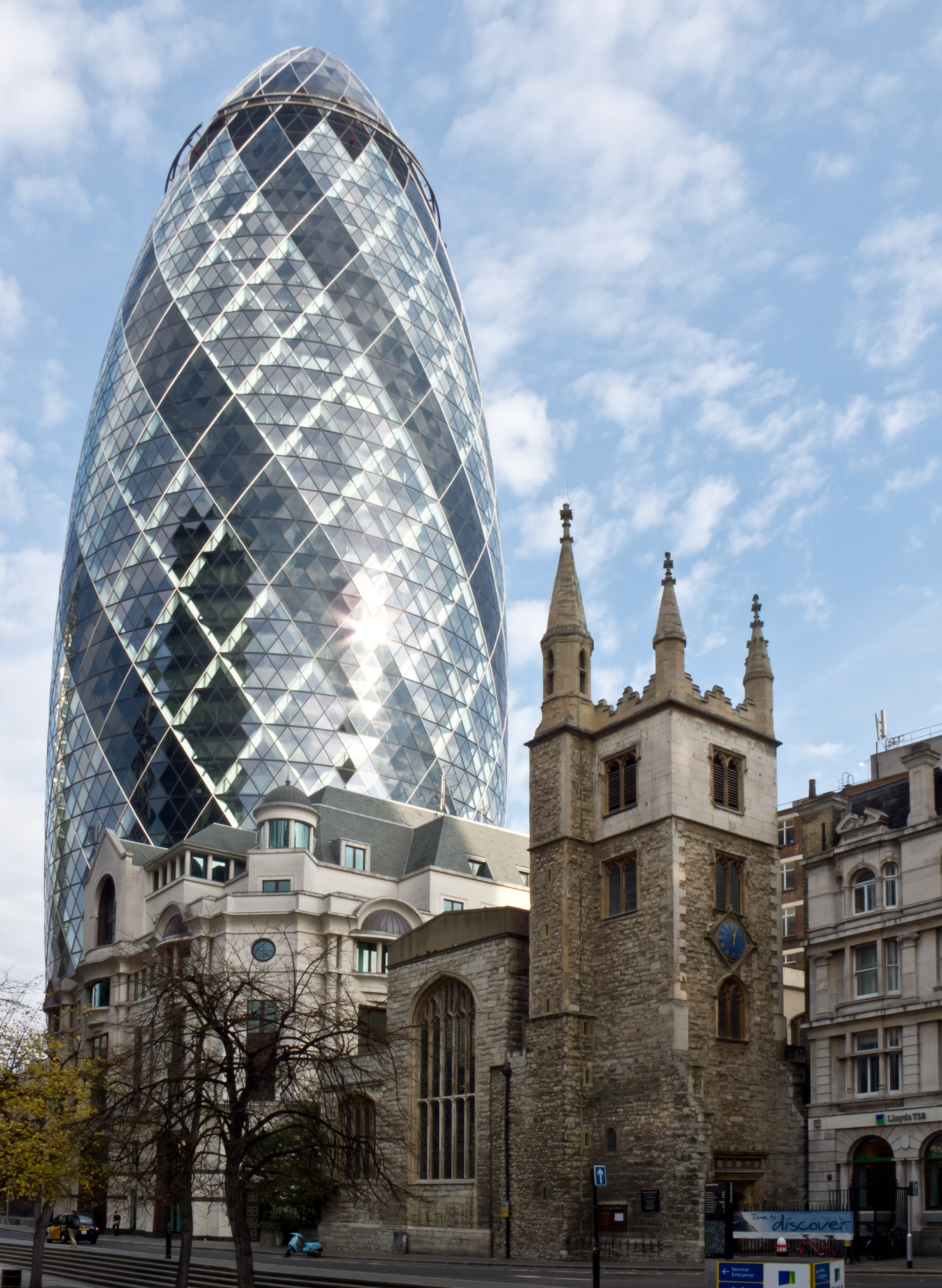 File 30 st mary axe swiss re building and st andrew for Architecture londres
