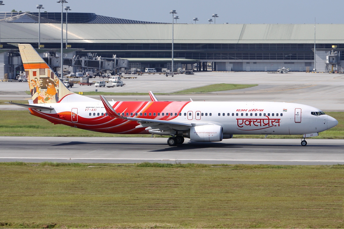 Air India Express VT-AXI right MRD.jpg