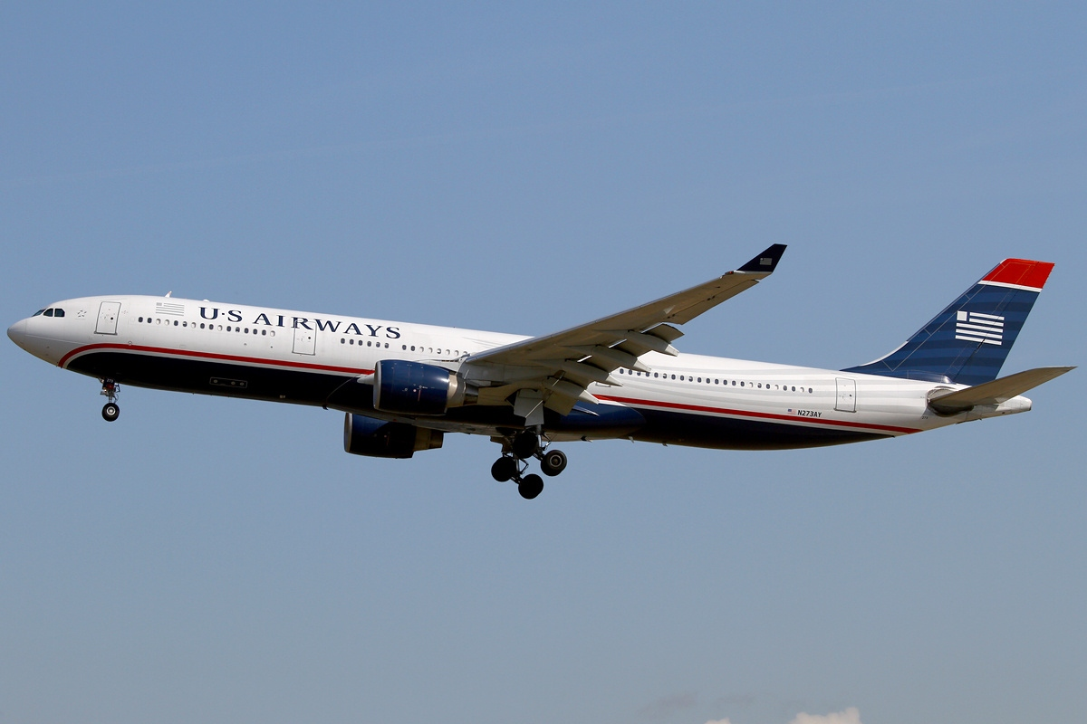 US Airways slammed after flight attendant refuses to hang up Army Ranger's uniform jacket