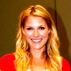 Ali Larter with Heroes-Poster (squared).jpg