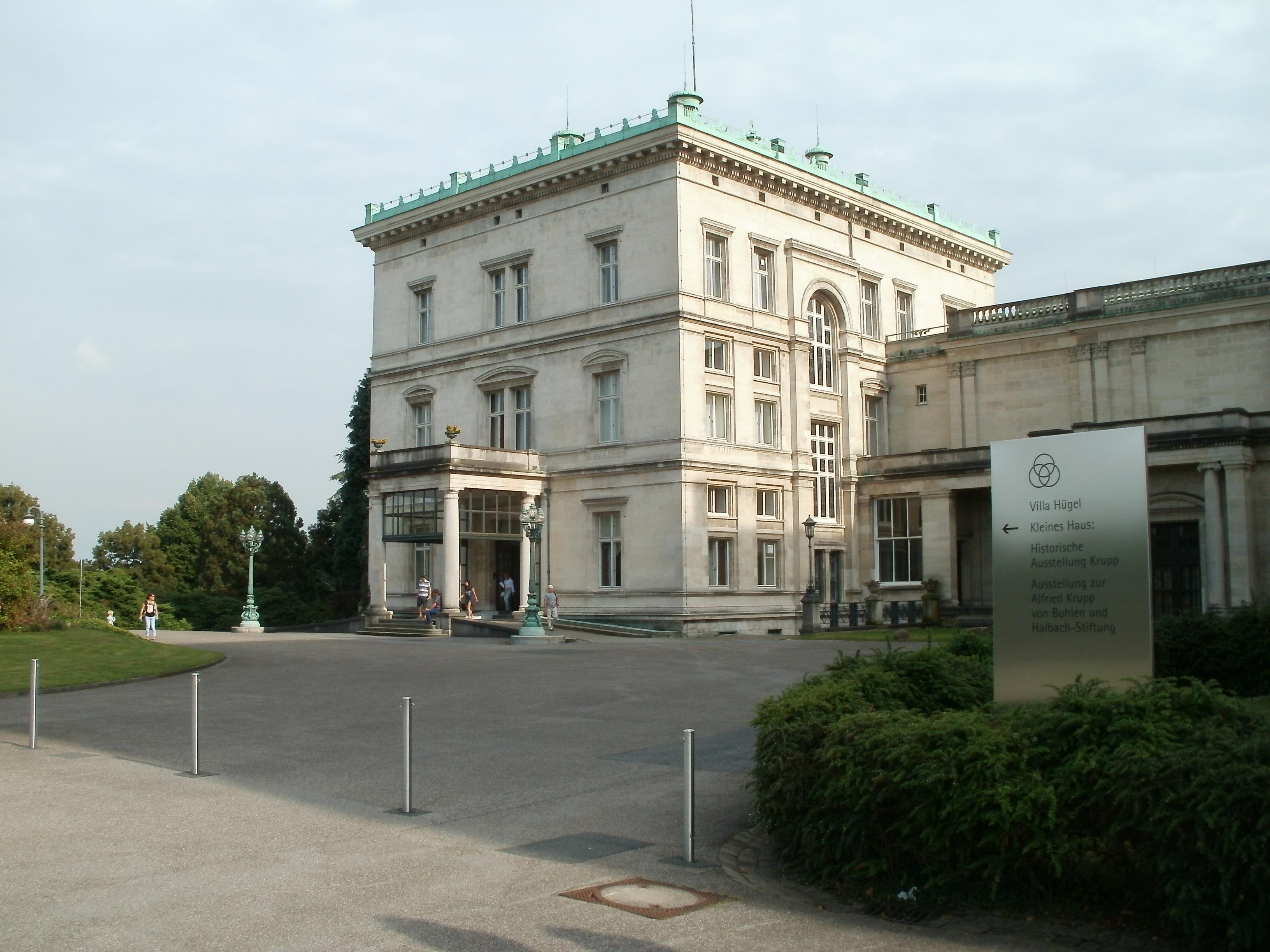 File:Ansicht Villa Hügel Essen Nr 5 vom 24 08 2012 kleines Haus.JPG ...